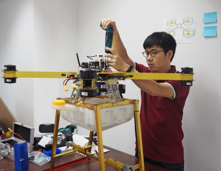 Living with Robots…ก้าวข้ามคำว่าเป็นไปไม่ได้  – มหิศร ว่องผาติ